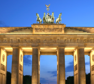 Brandenburger_Tor_abends-460x400