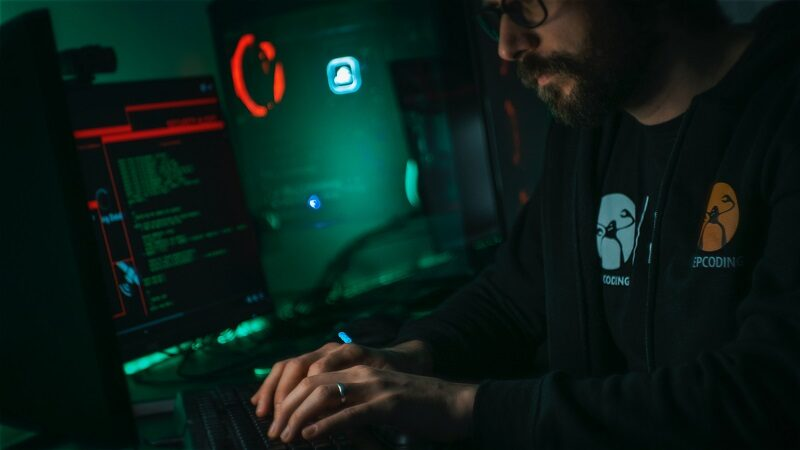 Remote working: 8 out of 10 greek employees have not been trained on cyber security issues